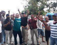 Rivai Bukusu atau lebih dikenal Ayi Bukusu dengan para militannya. (Foto:dok)